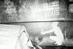 service-civique-clean-tag-paris-TBWA-graffiti-ambient-marketing-1