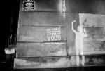service-civique-clean-tag-paris-TBWA-graffiti-ambient-marketing-4