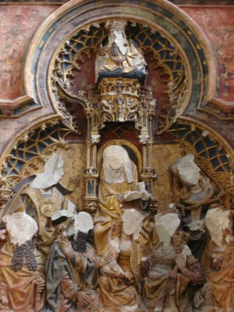 Fig 13. Retábulo do altar da capela Jan van Arkel. Catedral de Utrecht. Descoberta por detrás de uma parede de gesso em 1919. Datada do séc. XV, foi desfigurado em 1572 durante a Reforma .