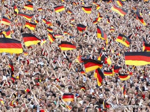 German-Soccer-Fans-Wallpaper