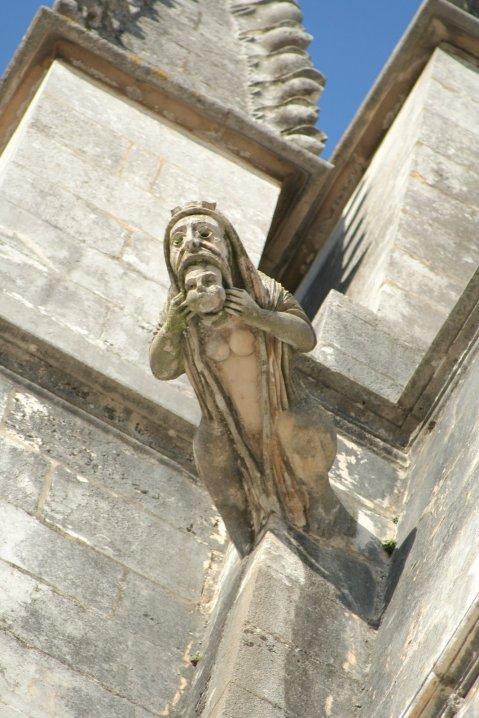 Gárgula do Mosteiro da Batalha. atouch of lisbon.