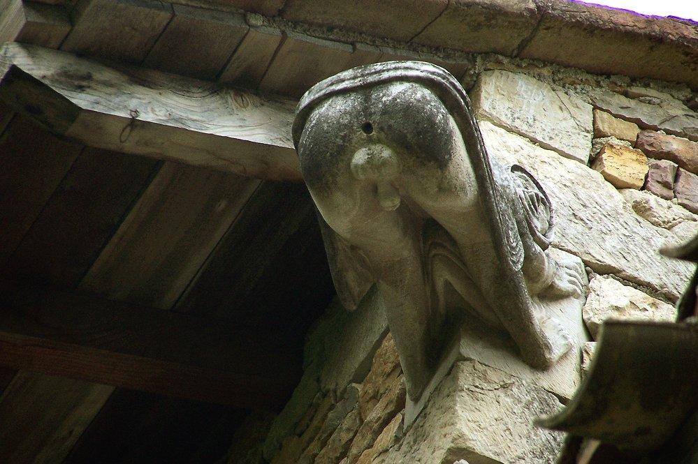 05 Gárgula. Casa do séc. XV. Bruniquel. França