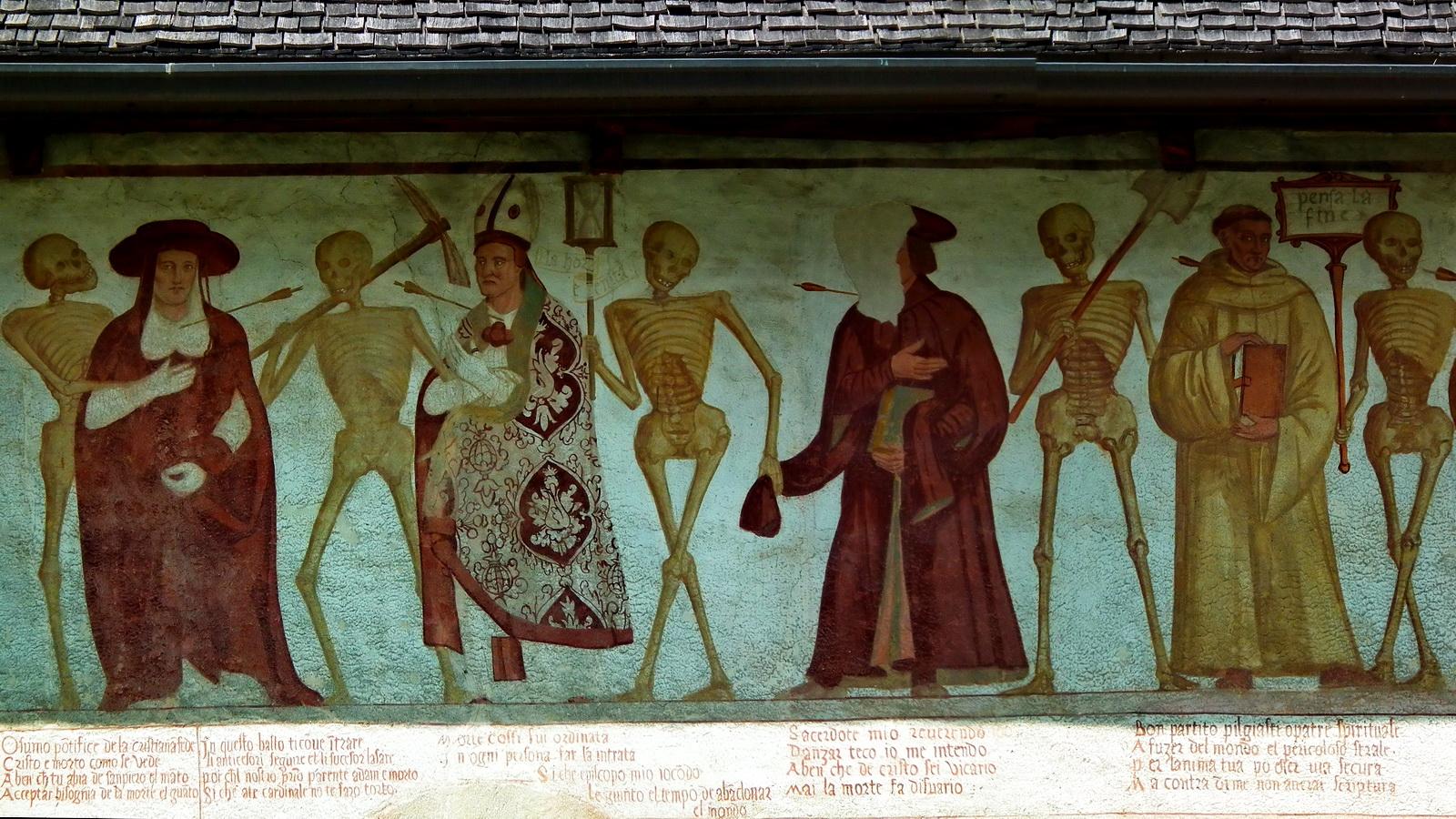 Pinzolo. San Vigilio. Itália.  Pormenor da Dança Macabra.