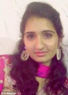 Reshma, before she was attacked with sulphuric acid