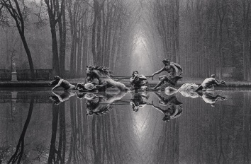 Michael Kenna, Chariot of Apollo, Study 1, Versailles, France, 1988.