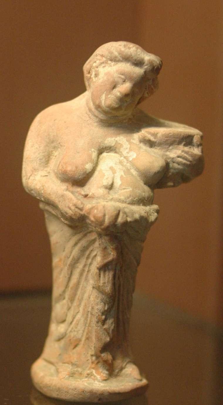 01. Mulher grávida Terracota de Kertch – Crimeia. Séc. IV a.C., Museu do Louvre