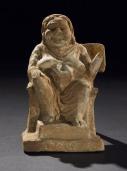 03. Figura de Terracota sentada numa cadeira. Boeotia, Grécia, c. 300 a.C. British Museum
