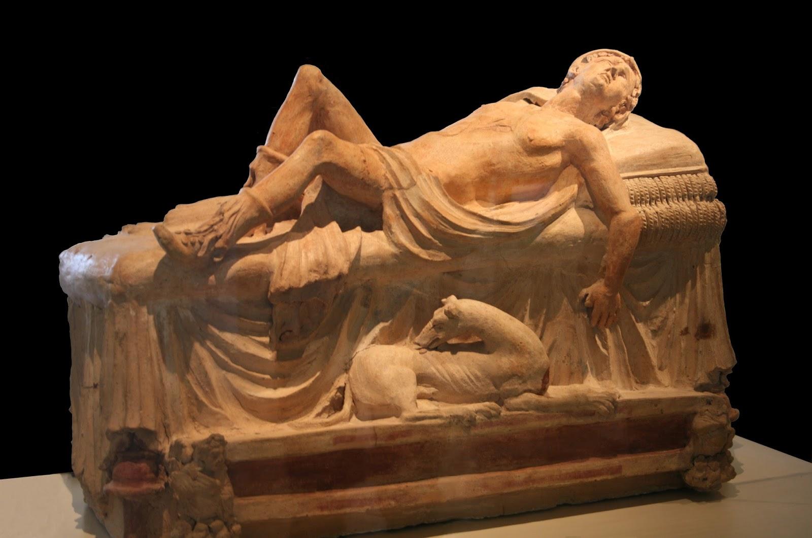 Monumento funerário. A Morte de Adónis. 250 a 100 ac. Museu Gregoriano Etrusco (Vaticano).