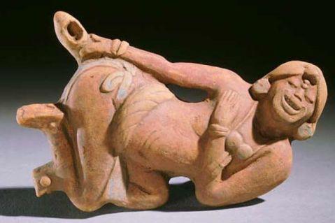 Aplicando Enema. Cerâmica Maia de Escuinta. Chiapas. México
