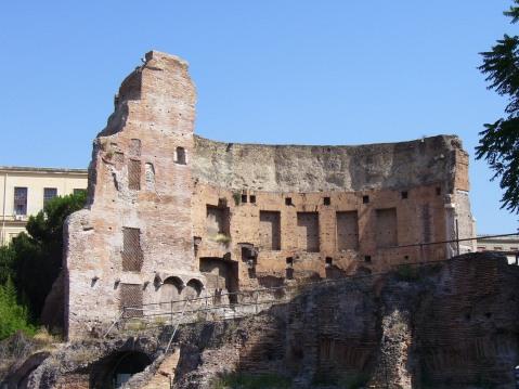 Ruínas das termas de Trajano