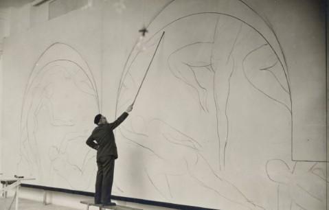 Henri Matisse pintando a Dança, c. 1931.