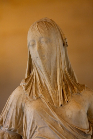 Antonio Corradini. Femme voilée (La Foi?). 1743.1744. Detalhe. Louvre.