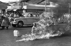 05. Autoimulação de um Monge Budista em Saigão. 1963.