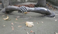02. Hand in hand, Père Lachaise cemetery, Paris. By Grangeburn