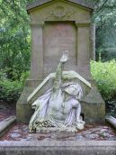 05. Túmulo de Jules Verne. Cemitério de «La Madeleine». Amiens, França.