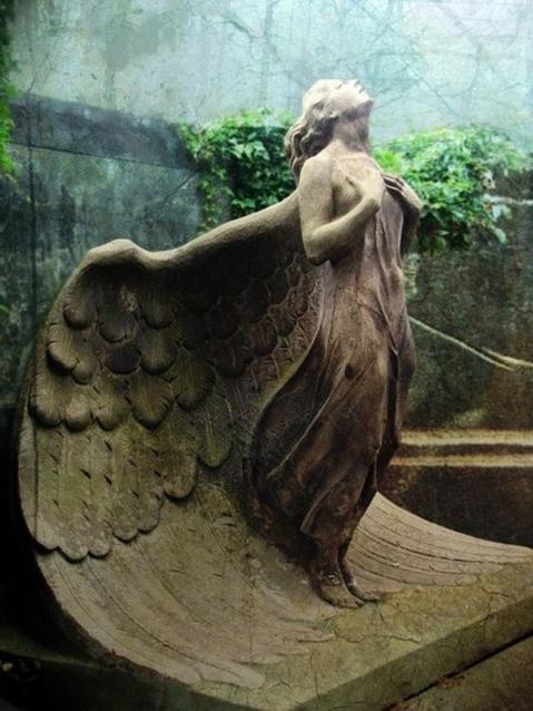 Escultura. Cemitério de Varsóvia