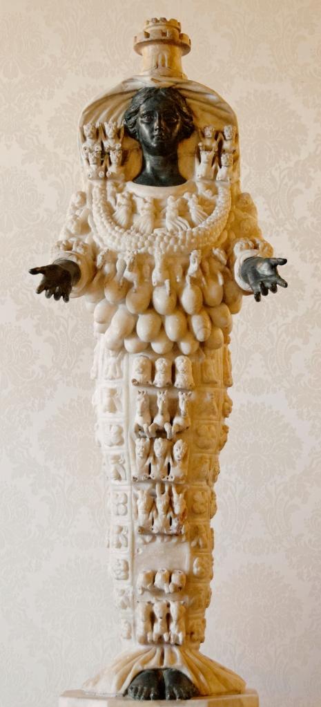 04. Ártemis de Éfeso. Século I. Museu Arqueológico de Éfeso