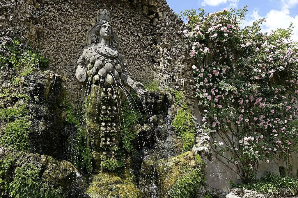 07. Villa d'Este. Tivoli. Fonte de Diana de Éfeso. Século XVI.